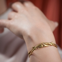 bracelet-doré-dragon-schade-jewellery